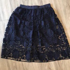 NWOT Ann Taylor navy full skirt w/ overlay size 6